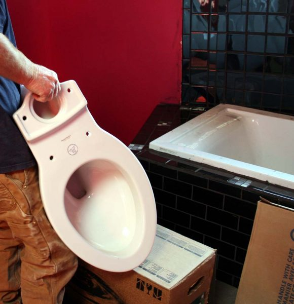 Yurtgress – There is Now a Working Toilet!
