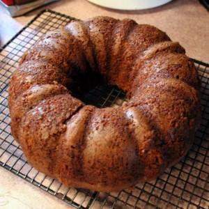 applesauce raisin bundt cake, bundt cake