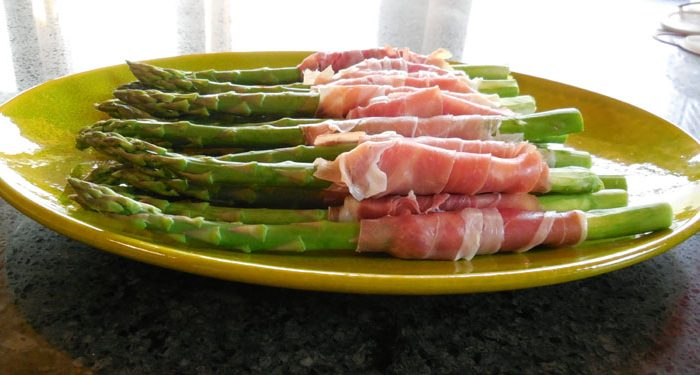 Asparagus Appetizer: Prosciutto Wrapped Asparagus with Brie and Lemon Honey Vinaigrette