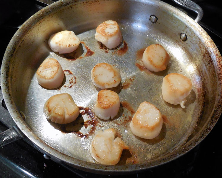 how to cook king scallops in a pan