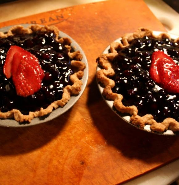 Lemon Curd and Blueberry Mini Pies – Recipe