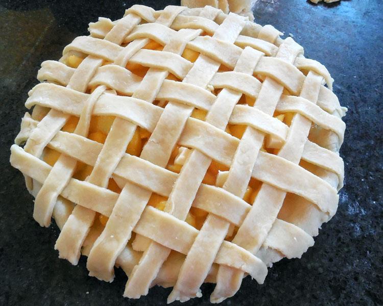 finish basketweave pie top