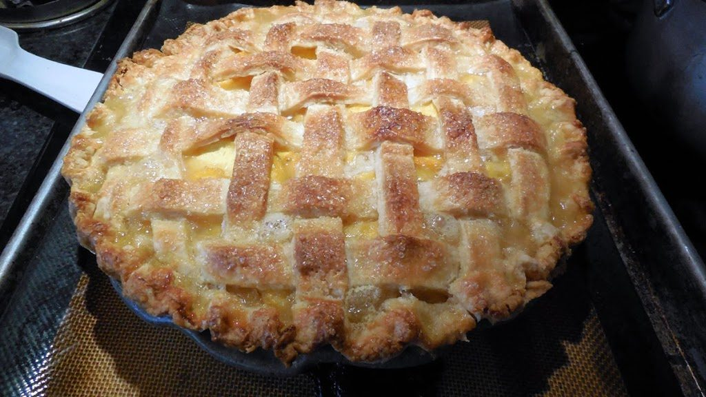 baked classic peach pie