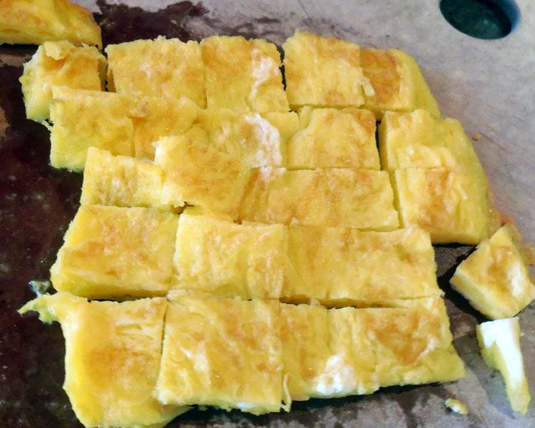 cut sweetened omelette