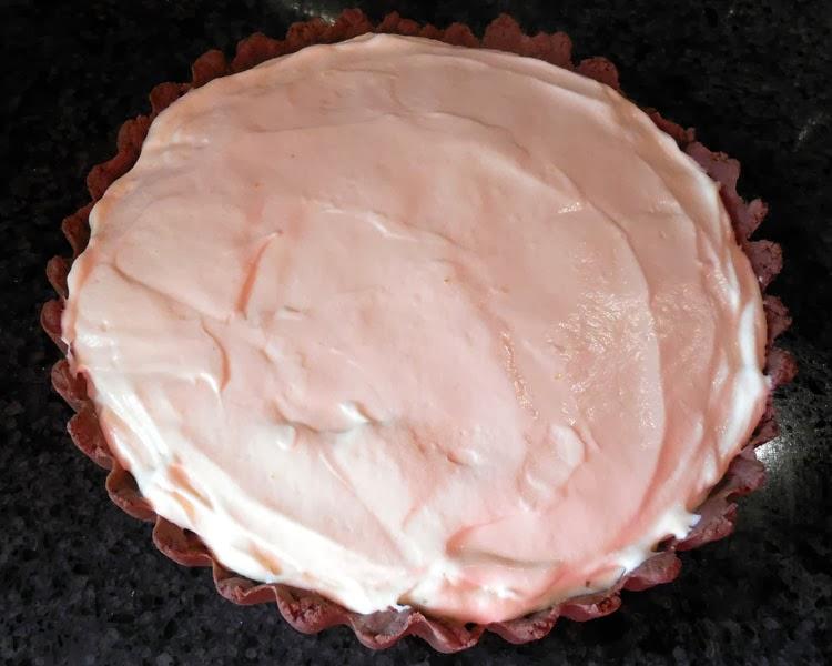 spread mousse in tart shell