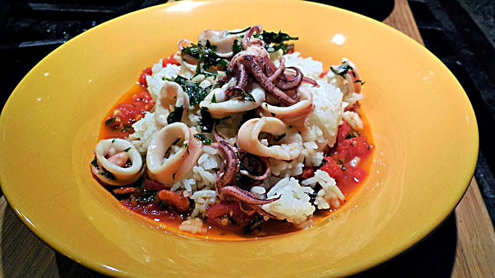 calamari with fresh tomato sauce