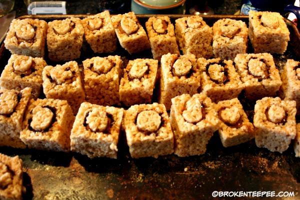 stuffed-rice-treats-lid