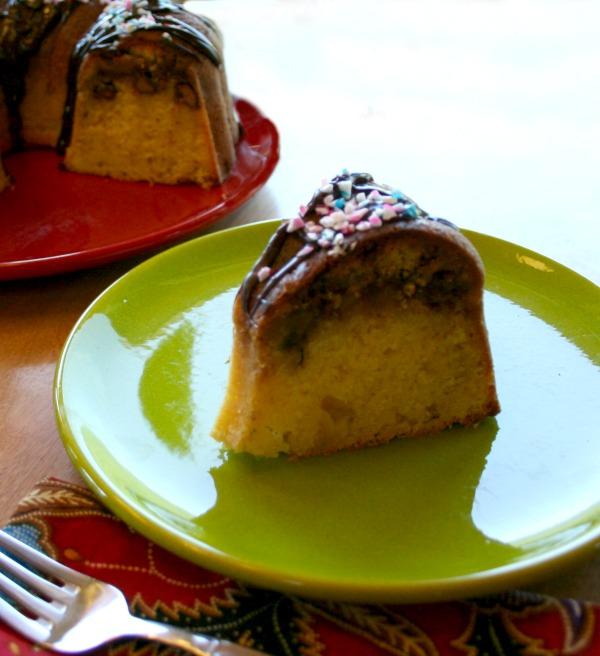 slice of cake, Strawberry Streusel Bundt Cake, SweetWorks, #SweetWorksPatriotic, #sponsored