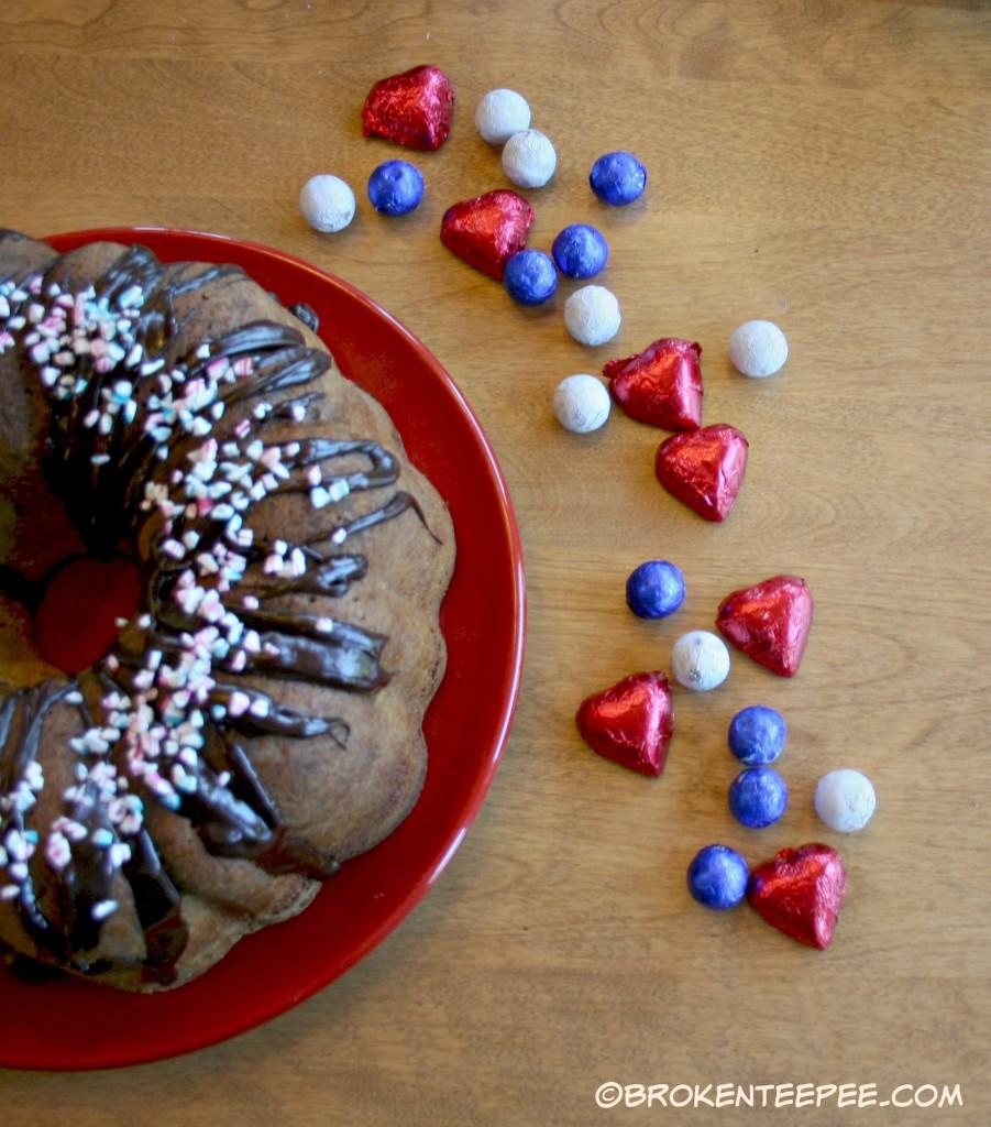 SweetWorks, Strawberry Streusel Bundt Cake, #SweetWorksPatriotic, #sponsored