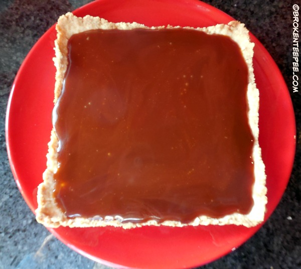 SweetWorks, add caramel to shortbread crust, #SweetWorksAutumn, #sponsored