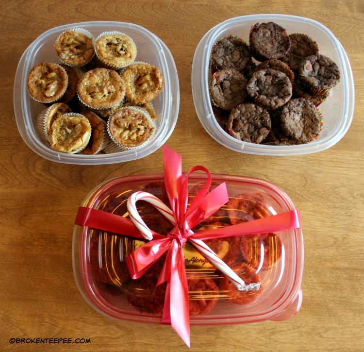 Rubbermaid TakeAlongs, Walmart, Share the Holiday, Giving the Gift of Thanks, Candy Cande Brownies, Pecan Pie Blondies, #ShareTheHoliday, #CollectiveBias, #AD