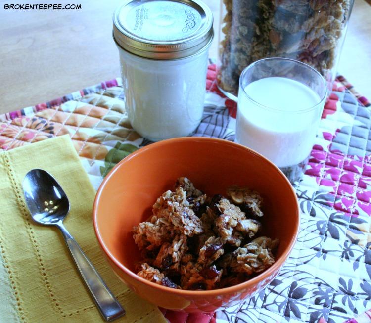 Maple Honey Granola, homemade granola recipe, homemade granola, making homemade granola, homemade granola for breakfast