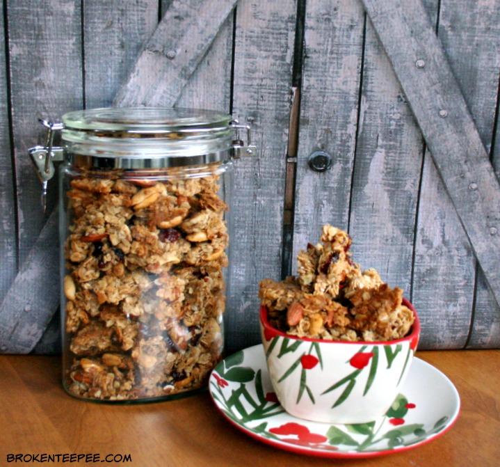Maple Honey Granola, homemade granola recipe, homemade granola,