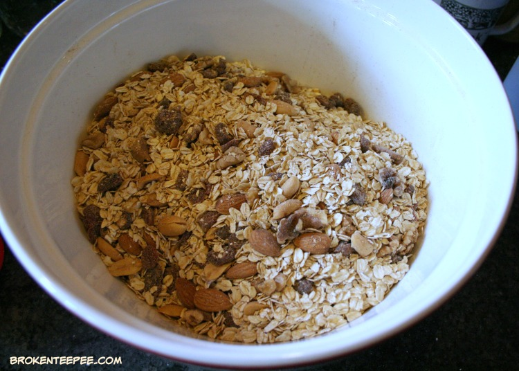 Maple Honey Granola, homemade granola recipe, homemade granola, making homemade granola