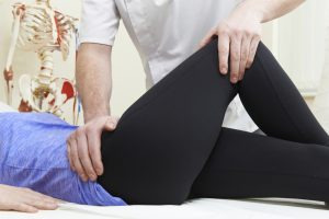 knee and hip pain, Time to Hit Play, #TimeToHitPlay, #IC, #AD