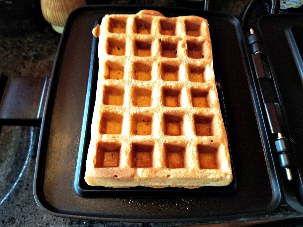 globein-making-waffles-ground-vanilla-1
