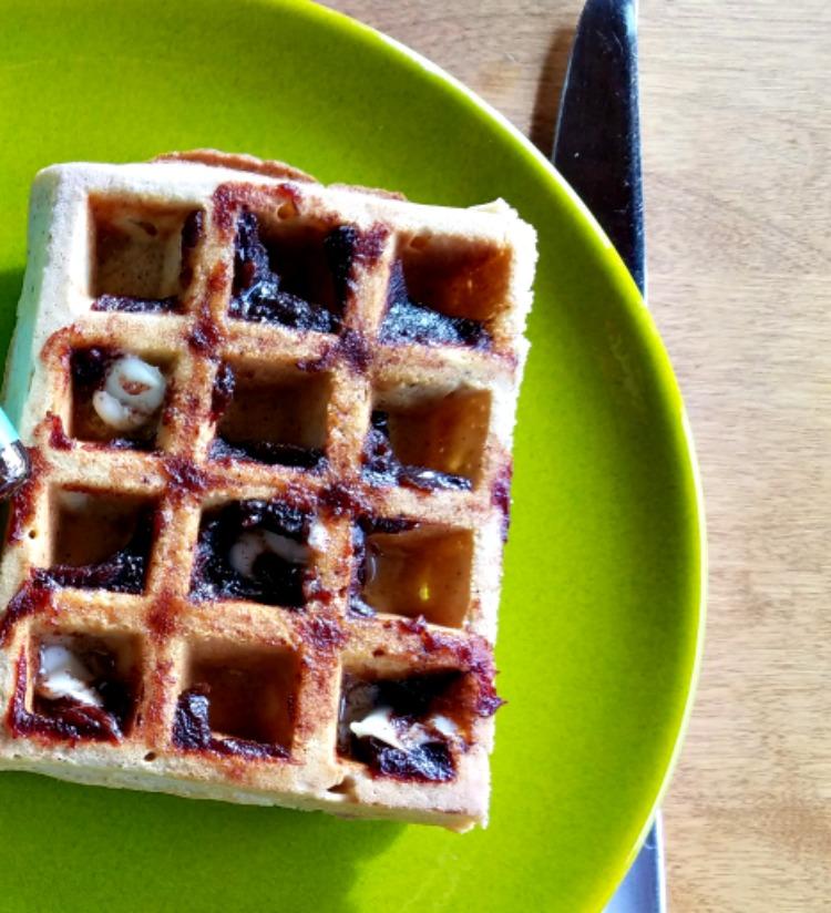 globein-waffles-with-ground-vanilla