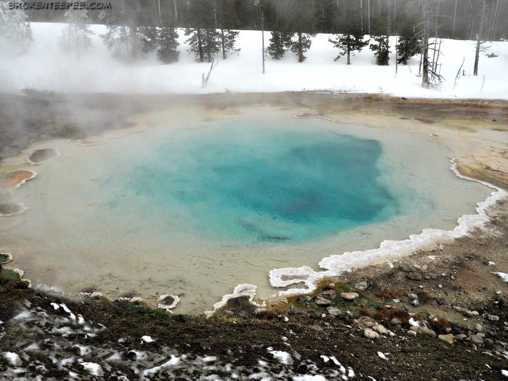 Yellowstone snowcoach tour, Yellowstone Vacations, Yellowstone National Park, AD