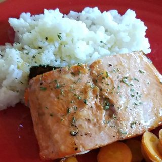 Salmon with Hone Lemon Vinaigrette, Easy weeknight salmon dinner
