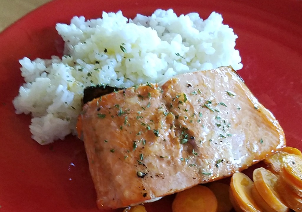 Easy Weeknight Salmon Dinner – Salmon with Honey Lemon Vinaigrette