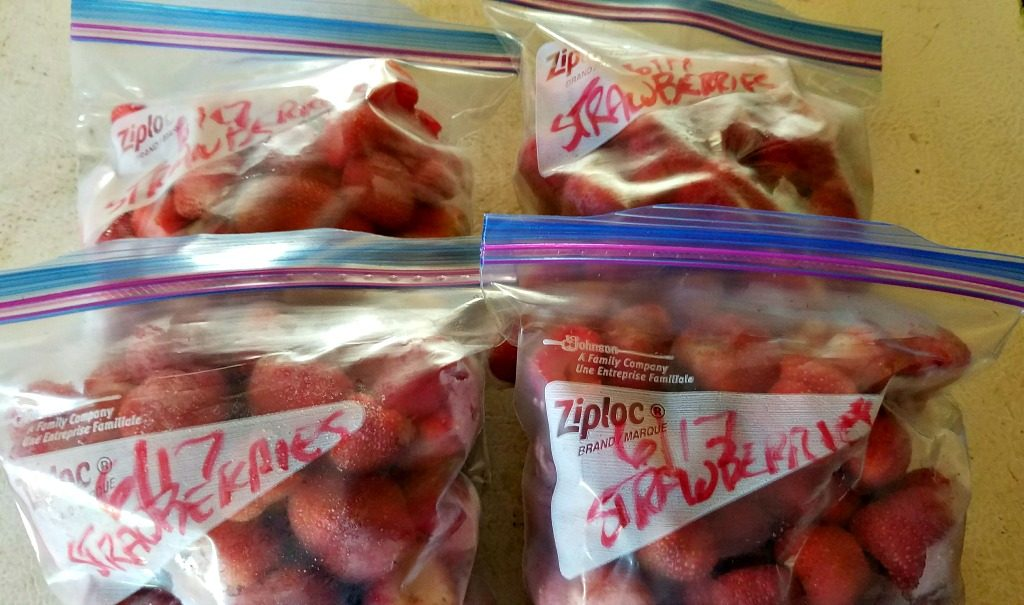 freezing fruit for the winter, strawberries