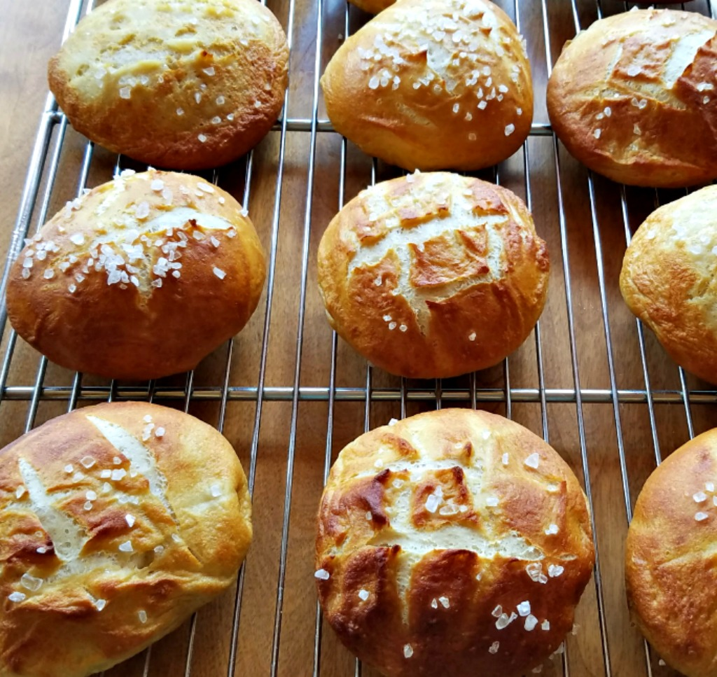 Pretzel Hamburger Buns – Perfect for your Barbecue or Sandwich Needs