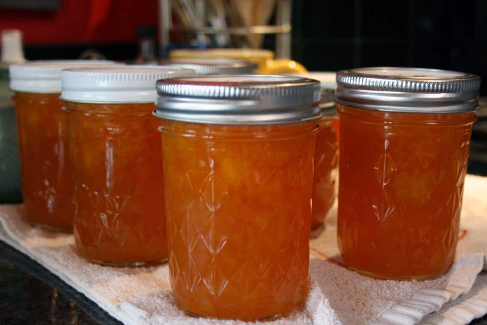 jars of low sugar orange marmalade