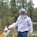 Keeping Bees: The Backyard Beekeeper by Kim Flottum – Book Review Get Ready for Summer Homestead Projects Week Continues