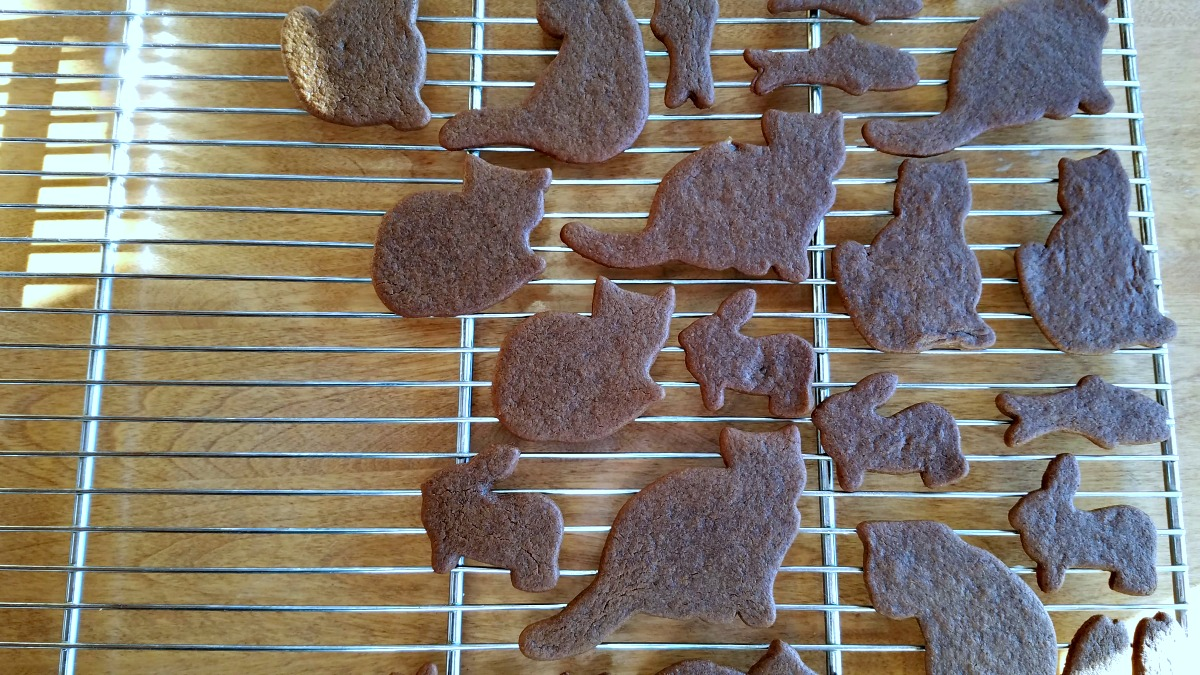 gingerbread cut out cookies, harry and trout, gingerbread, cookies