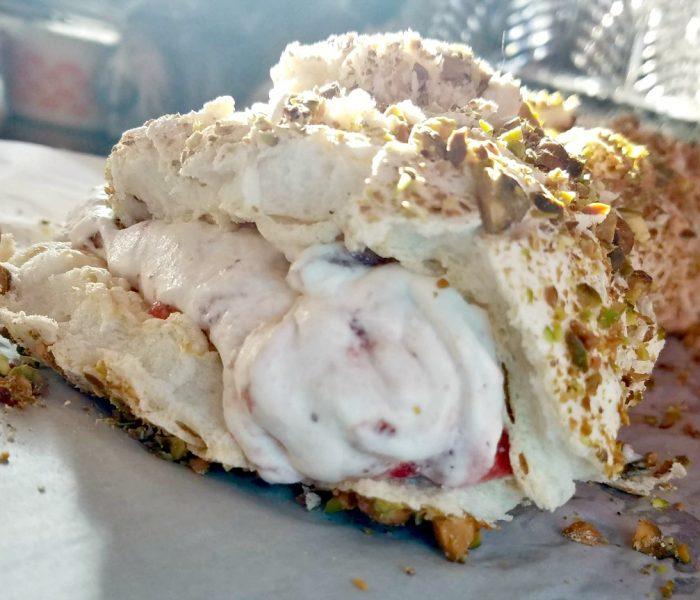 Meringue Roulade with Strawberry Cream – Valentine's Day Dessert