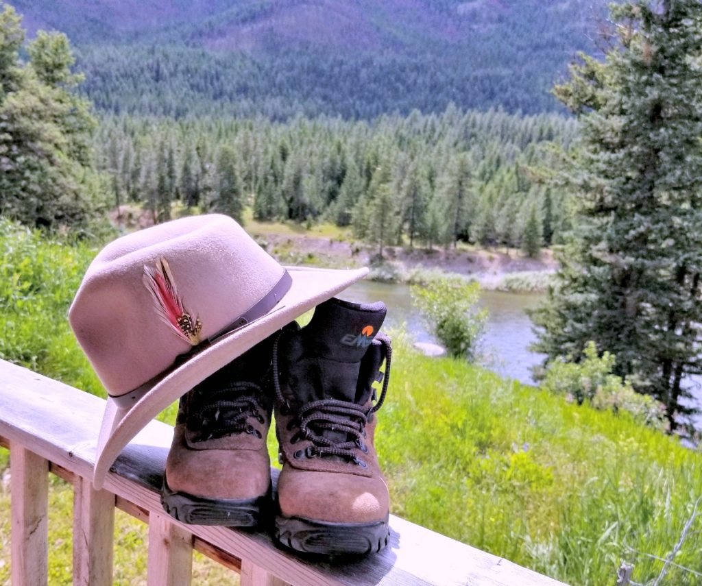 packable travel hat with hiking boots, AD