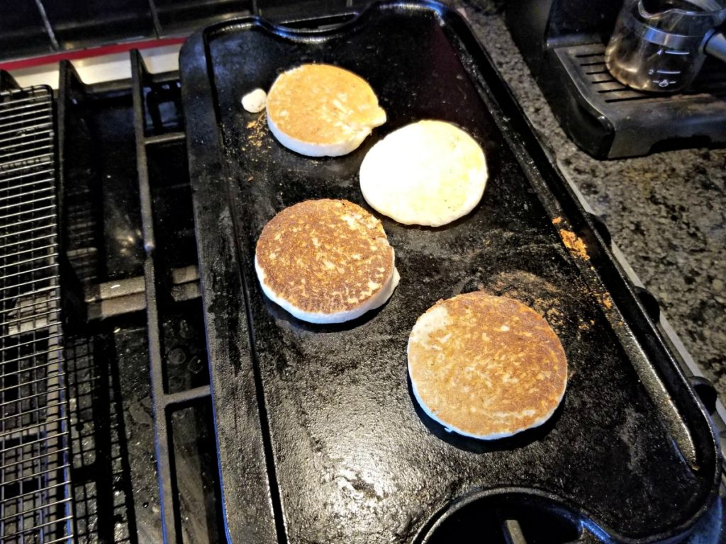 making homemade crumpets