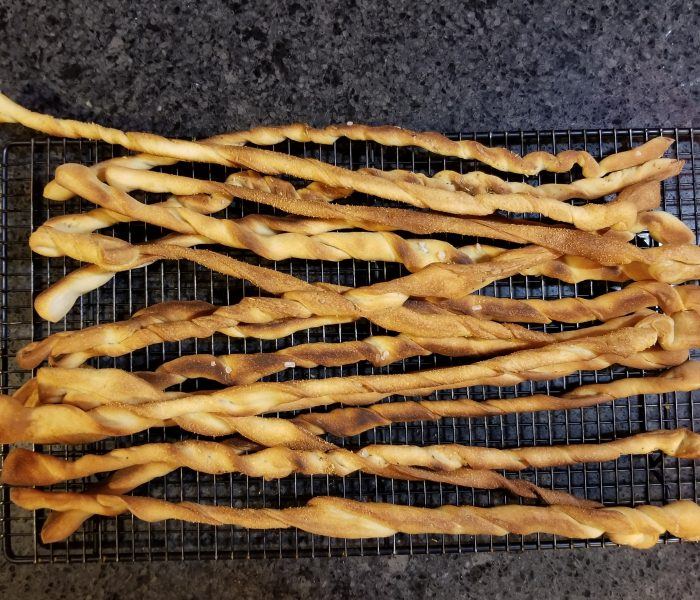 Homemade Breadsticks – Crunchy Italian Breadsticks