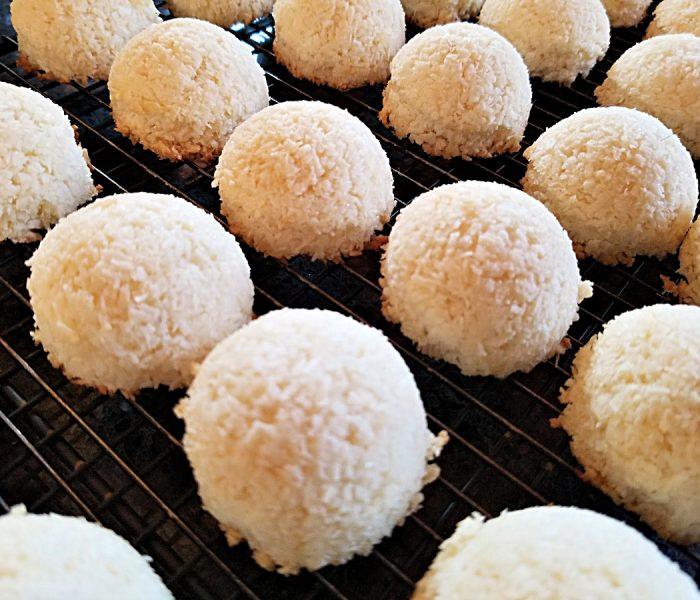 Coconut Macaroons – Gluten Free Coconut Cookie Recipe