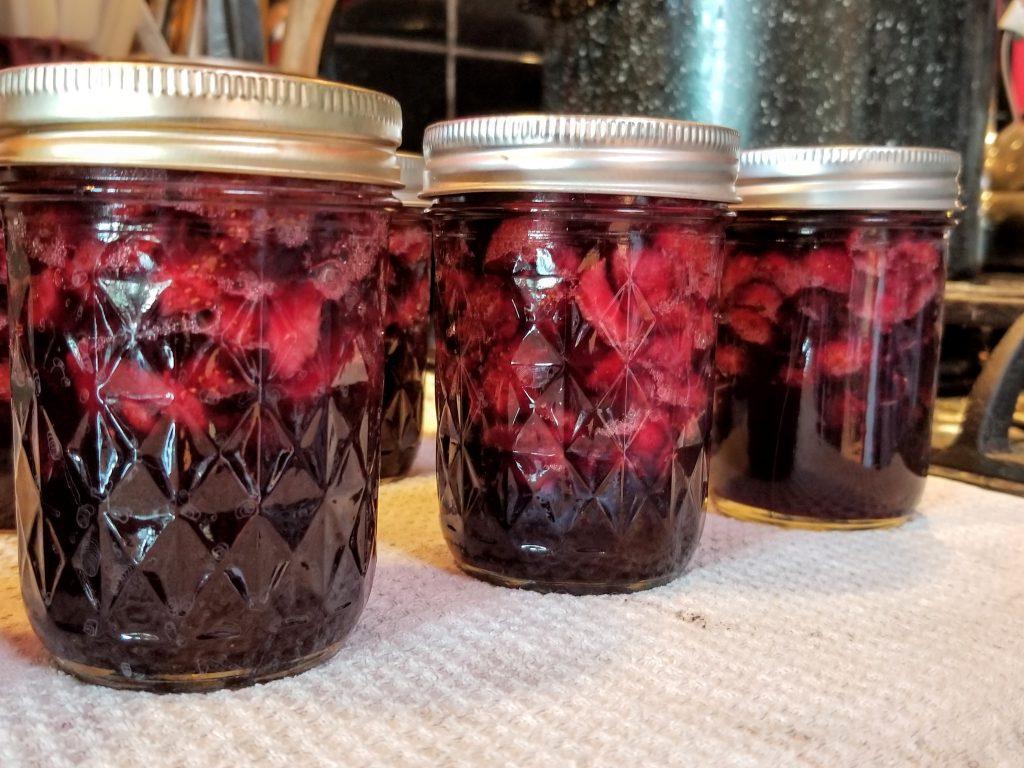 low sugar strawberry cherry jam
